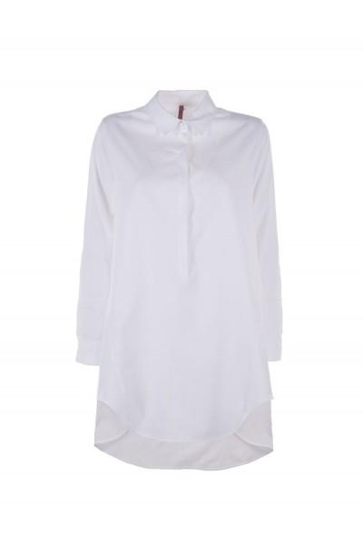 Женская рубашка с длинным полом белая